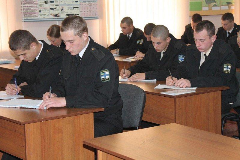 В Николаеве приняли первую партию срочников осеннего призыва (ФОТО) (фото) - фото 1