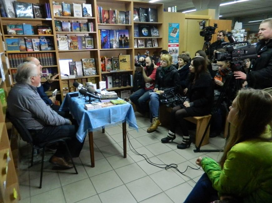 В Запорожье Винничук и Курков презентовали свои книги, - ФОТО (фото) - фото 3