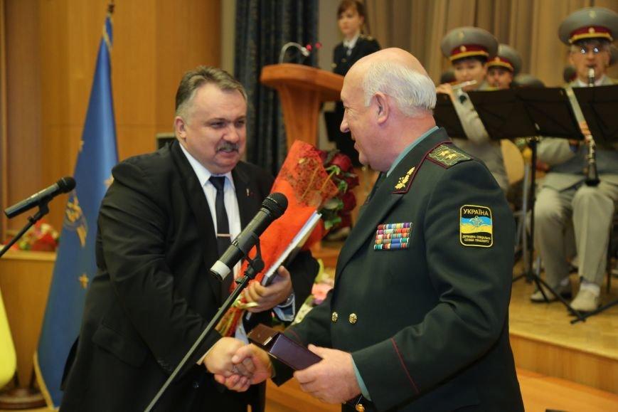 Укрзалізниця надасть допомогу військовим Держспецтранслужби на 5,8 млн грн (фото) - фото 1