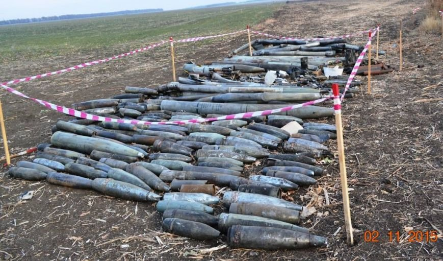 Військовослужбовці сектора «А» очистили від вибухонебезпечних предметів 14 секторів у Сватовому (фото) - фото 1