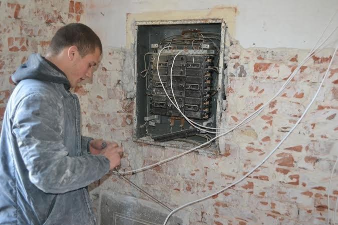 На Буковині ремонтують гуртожитки для переселенців (фото) - фото 1