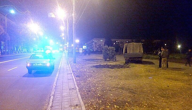 Вчера в Мариуполе автомобиль сбил женщину (ФОТО) (фото) - фото 1