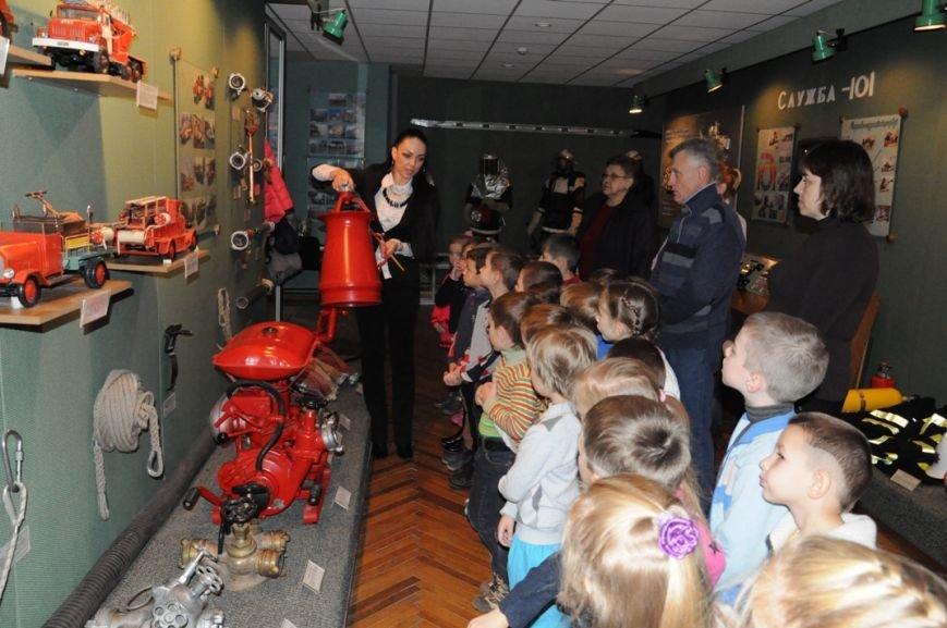 Кіровоград: до пожежно-технічної виставки музею завітали вихованці дитячого садочка «Супутник» (ФОТО), фото-1