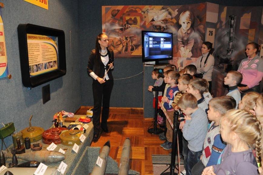 Кіровоград: до пожежно-технічної виставки музею завітали вихованці дитячого садочка «Супутник» (ФОТО), фото-2