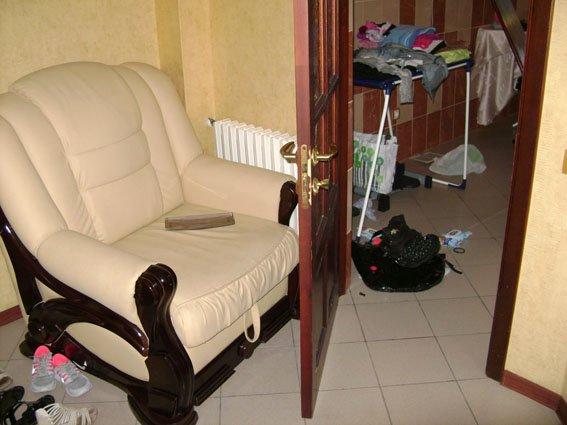 Разбойники, жестокими пытками выбившие из семейной пары мариупольцев более 25 тысяч долларов и ювелирные украшения, задержаны (ФОТО) (фото) - фото 3