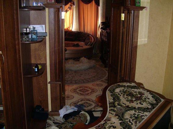Разбойники, жестокими пытками выбившие из семейной пары мариупольцев более 25 тысяч долларов и ювелирные украшения, задержаны (ФОТО) (фото) - фото 4