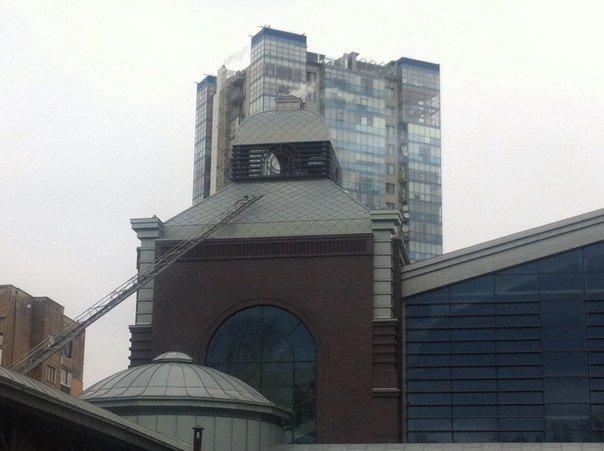 Харьковчане приняли прочистку труб на Сумском рынке за пожар (ФОТО) (фото) - фото 1