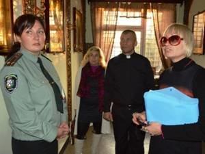 В Криворожском СИЗО осужденные к пожизненному лишению свободы приняли участие в творческом конкурсе (ФОТО) (фото) - фото 1