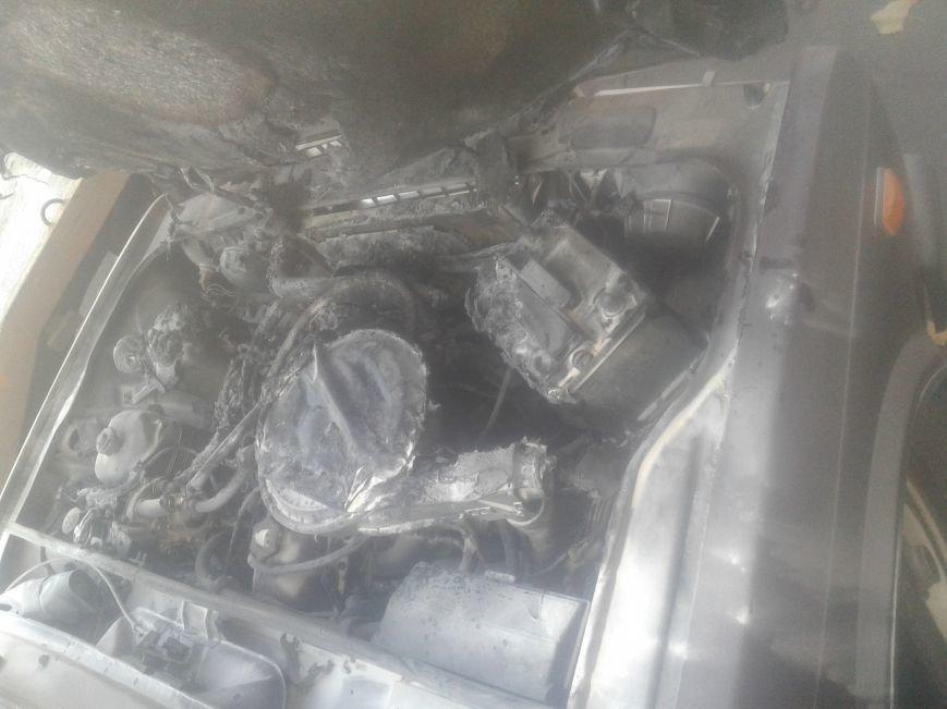 В центре Житомира загорелся автомобиль, фото-2