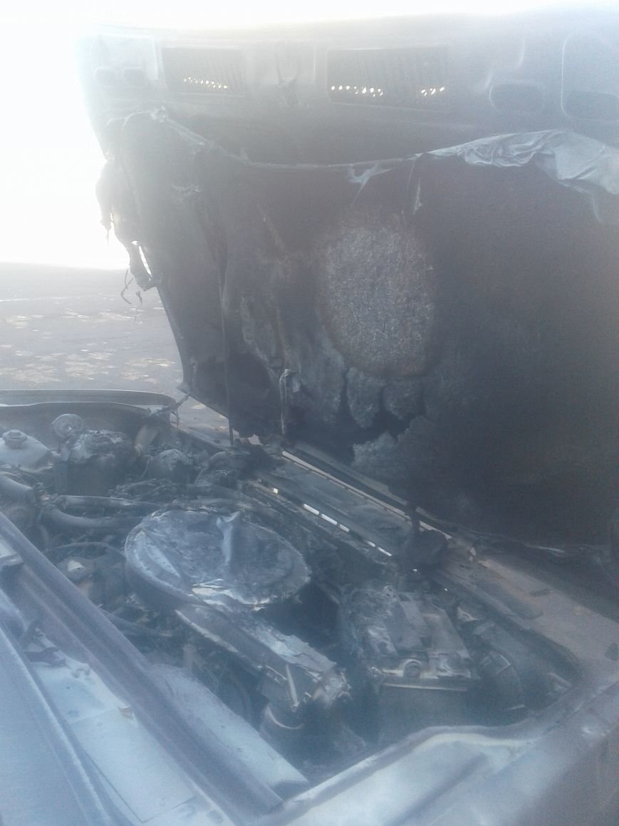 В центре Житомира загорелся автомобиль, фото-3