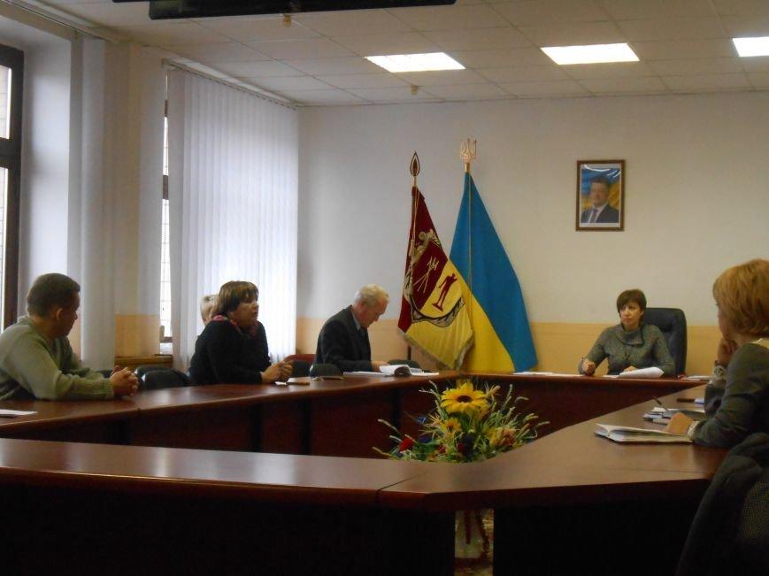 Комиссия по переименованию улиц Днепродзержинска продолжает формировать проект решения горсовета (фото) - фото 1