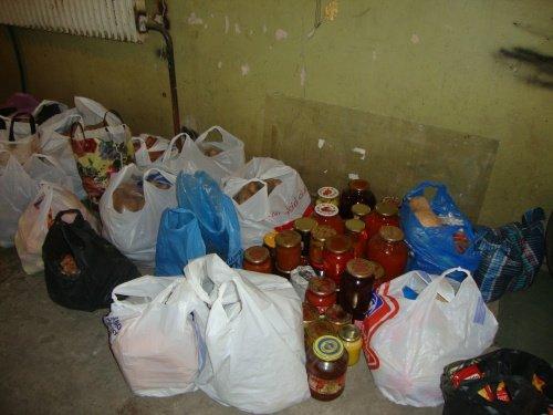 Еженедельно жители Павлоградского района отправляют продукты военным АТО (фото) - фото 1