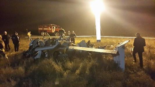 В Крыму разбился частный самолет: Погибли 4 человека, среди которых священник (ФОТО, ВИДЕО), фото-1