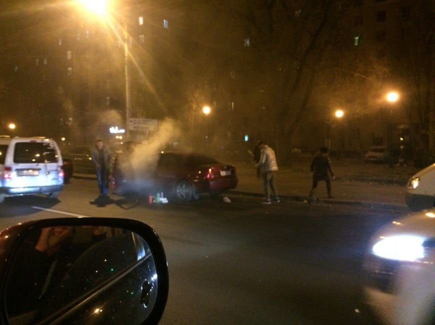 В Харькове на ходу загорелась иномарка (ФОТО) (фото) - фото 1