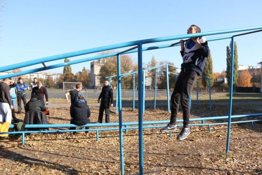 В Чернигове будущие полицейские демонстрировали физподготовку, фото-1