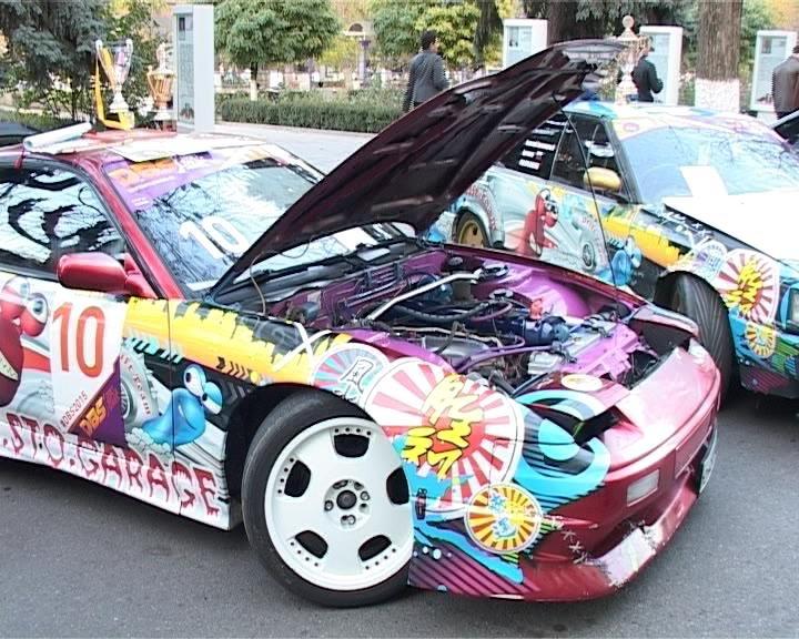 В Армавире состоялась выставка тюнингованных автомобилей «A.R.C.» (фото) - фото 1