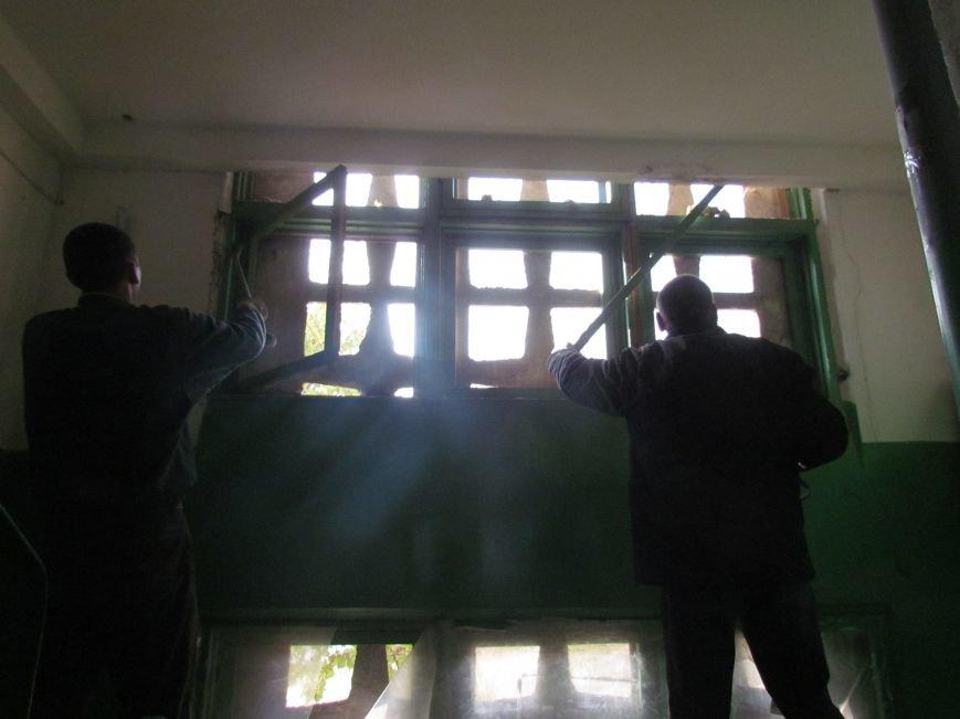 На Восточном завершаются работы по ремонту пострадавших от обстрела домов (ФОТО), фото-3