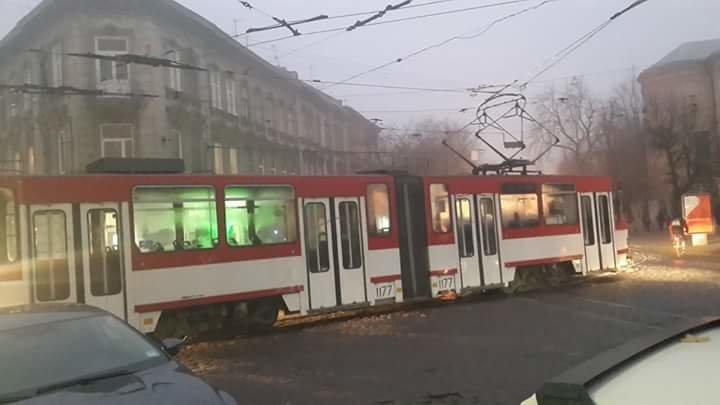 У Львові через несправність трамвая утворився затор (фото) - фото 1