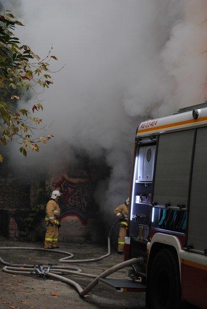 В Массандре горела бывшая школа. (фото) - фото 2