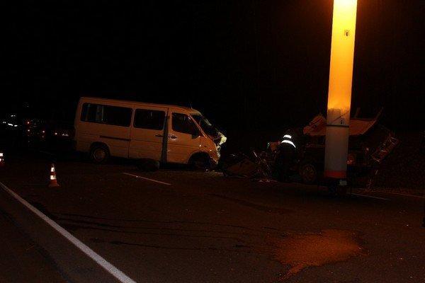 В Волковысском районе микроавтобус столкнулся с автомобилем: погибла женщина-водитель и двухлетний ребенок (Обновлено) (фото) - фото 1