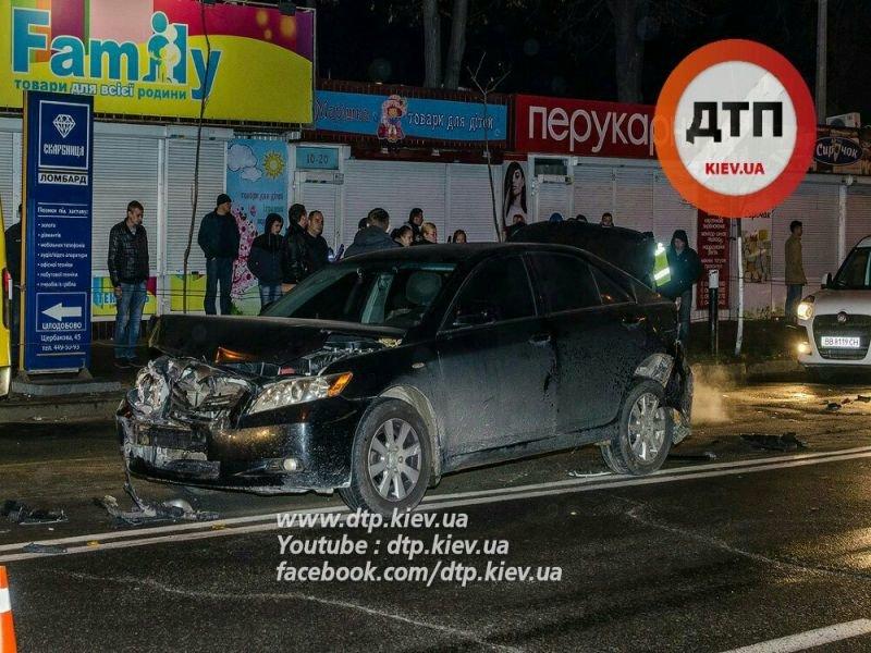 На Щербакова в столкновении 5 машин пострадал мужчина (ФОТО) (фото) - фото 3