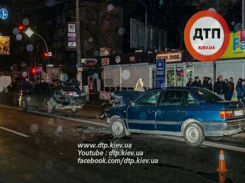 На Щербакова в столкновении 5 машин пострадал мужчина (ФОТО) (фото) - фото 5