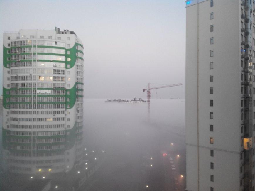 Город в облаках: Одесситы делятся фотографиями невероятно красивого тумана (ФОТО) (фото) - фото 1