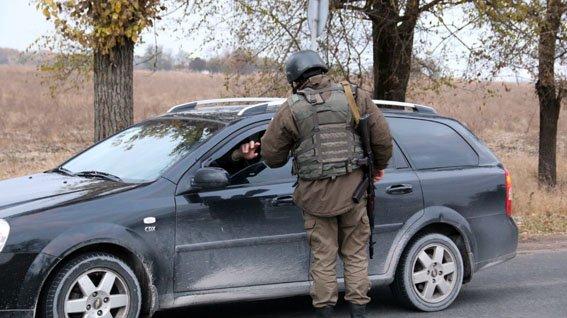 На блокпостах Донецкой области усилен контроль за перевозкой грузов (фото) - фото 3