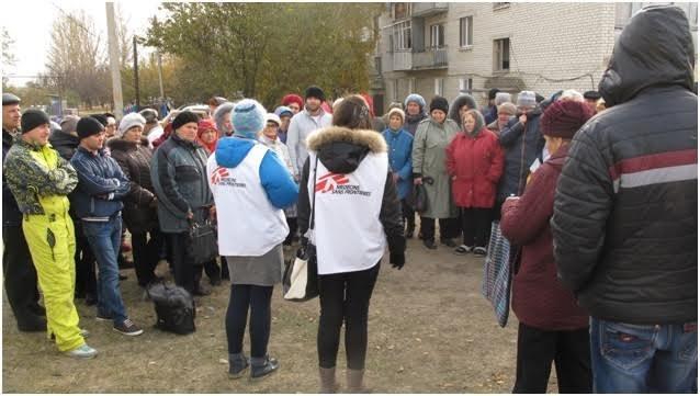 «Врачи без границ» из Артемовска-Бахмута предоставляет медицинскую гуманитарную помощь людям в Сватово (фото) - фото 1