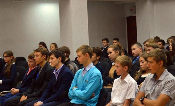 С начала года в Красноармейске подростками совершено 6 уголовных и 15 административных правонарушений (фото) - фото 2