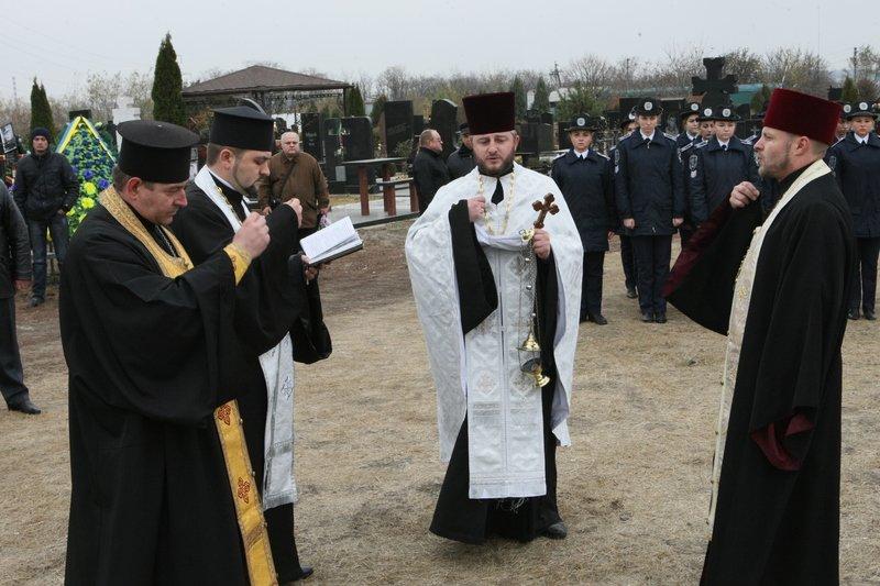Днепропетровщина снова прощалась с неизвестными бойцами (фото) - фото 1