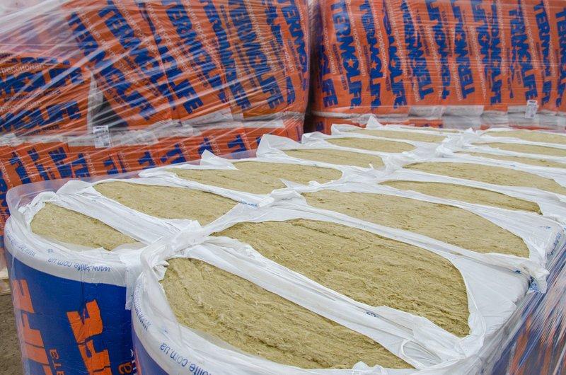 Утеплитель и гидробарьер - в Сватово отправилась четвертая фура со стройматериалами (ФОТО) (фото) - фото 2
