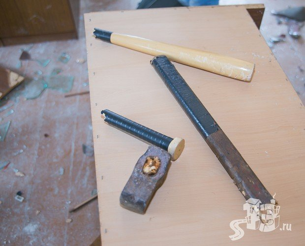 В Гродно открылась первая «расфигачанненая», где можно кувалдой и битой разгромить целую квартиру (фото) - фото 14