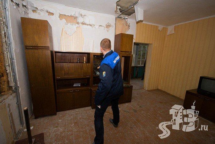 В Гродно открылась первая «расфигачанненая», где можно кувалдой и битой разгромить целую квартиру (фото) - фото 4