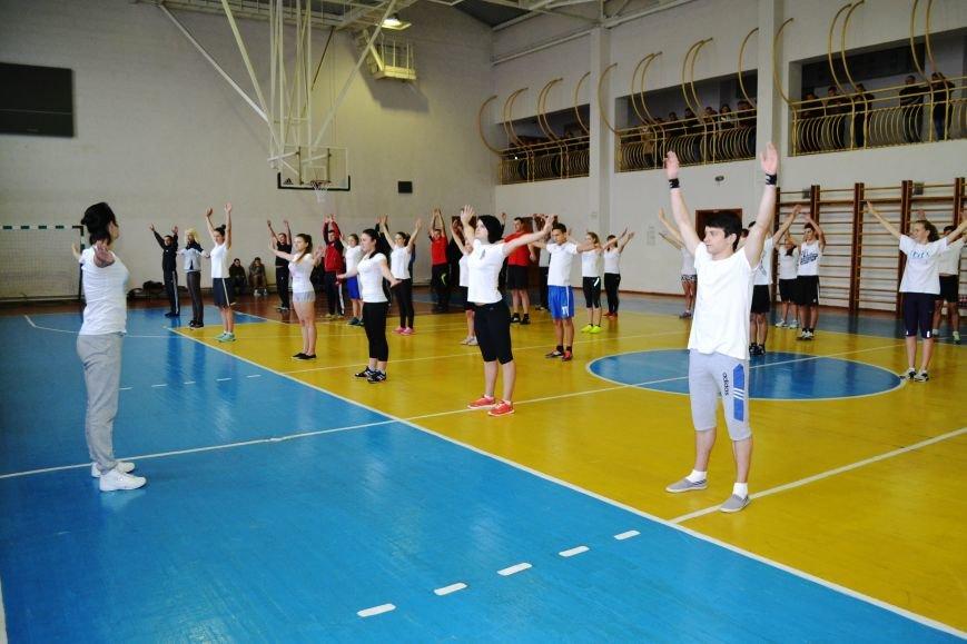 Житомирські студенти провели олімпійську зарядку в рамках всеукраїнської акції, фото-3