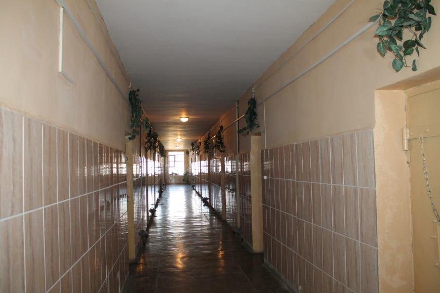 Для проблемных подростков провели экскурсию по следственному изолятору, фото-1