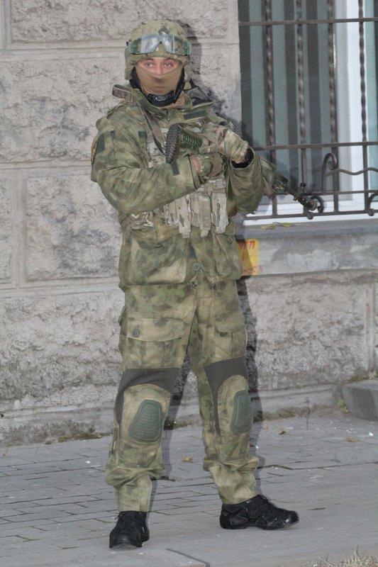Правоохранители доставили Корбана в Днепропетровск под домашний арест (ПОЛНЫЙ ФОТОРЕПОРТАЖ) (фото) - фото 9