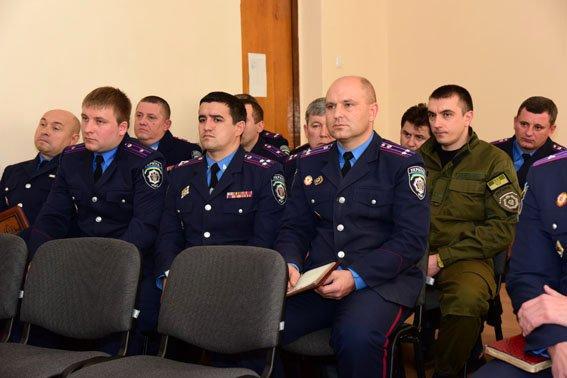 Завтра в Мариуполе исчезнет милиция (фото) - фото 1