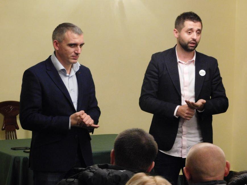 Николаевский волонтер Арахамия поддержит «добро» во 2 туре выборов мэра (ФОТО+ВИДЕО) (фото) - фото 2