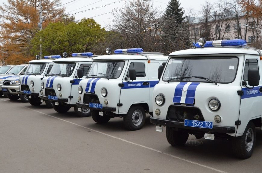Полицейские Твери получили новые автомобили (фото) - фото 2