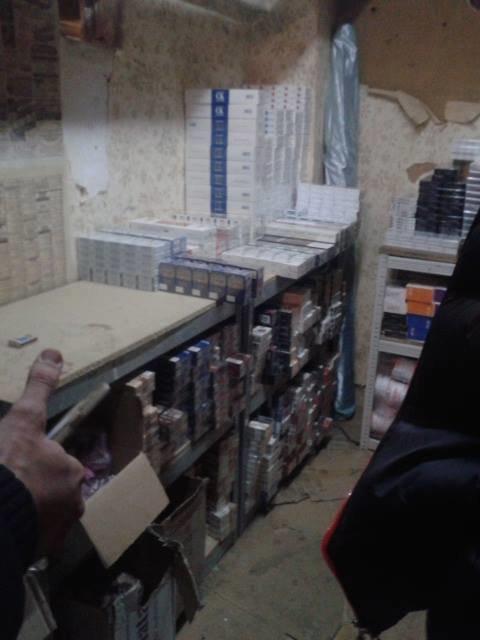 Последнее «дело» харьковской милиции: правоохранители вместе с активистами задержали контрабанду (ФОТО), фото-1