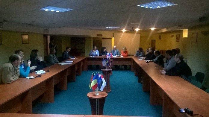 Бердянск принял итальянскую делегацию и гуманитарный груз (фото) - фото 1