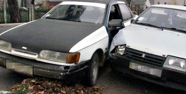 У Сторожинці  сталася аварія (фото) - фото 1