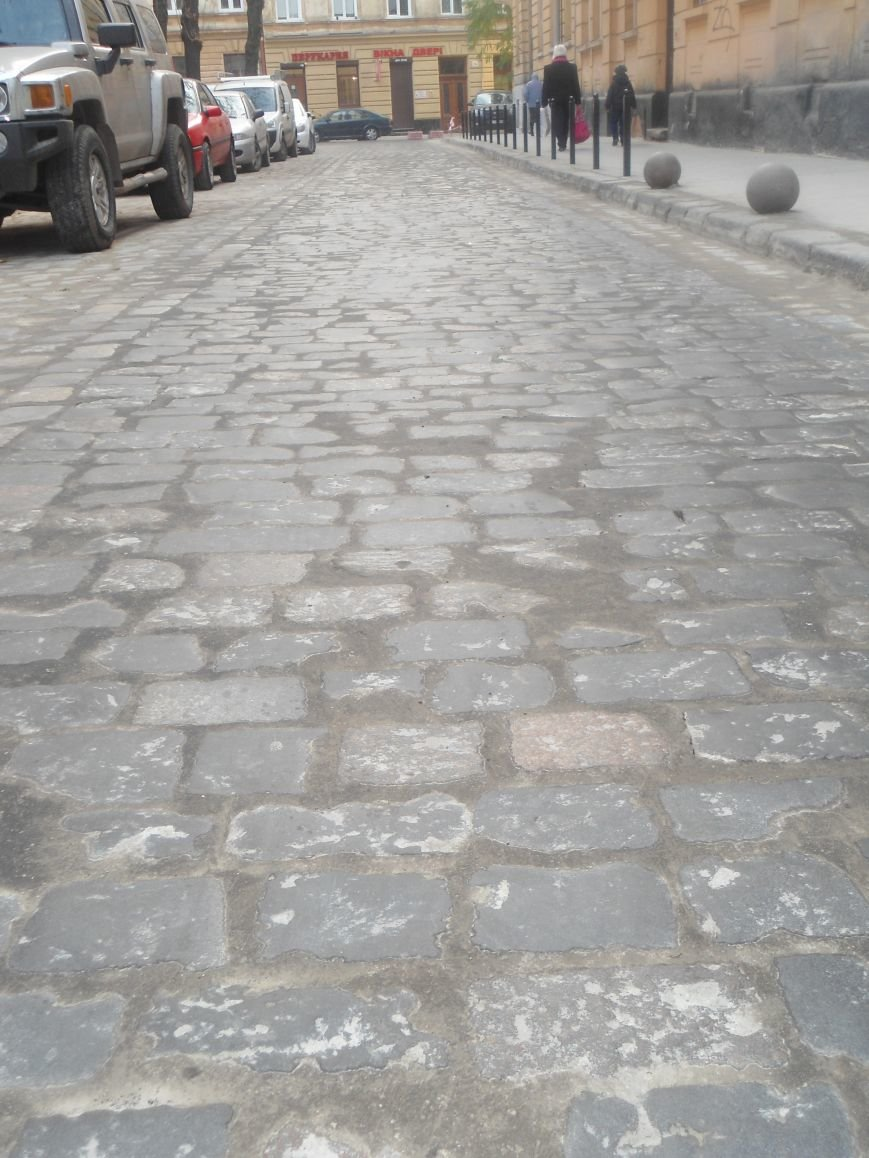 Як відремонтували вулицю Богомольця за 723 тисячі гривень? (ФОТО) (фото) - фото 5