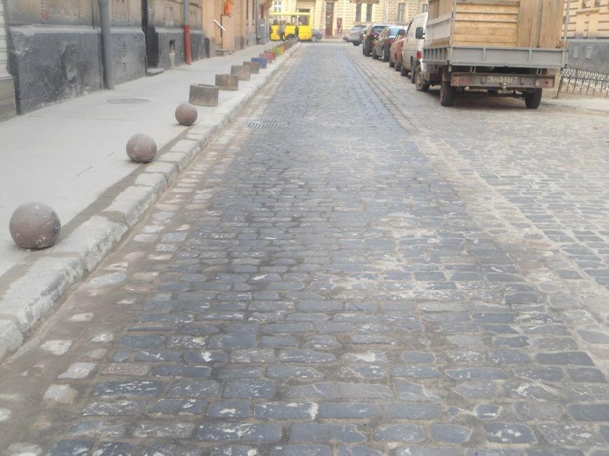 Як відремонтували вулицю Богомольця за 723 тисячі гривень? (ФОТО) (фото) - фото 2