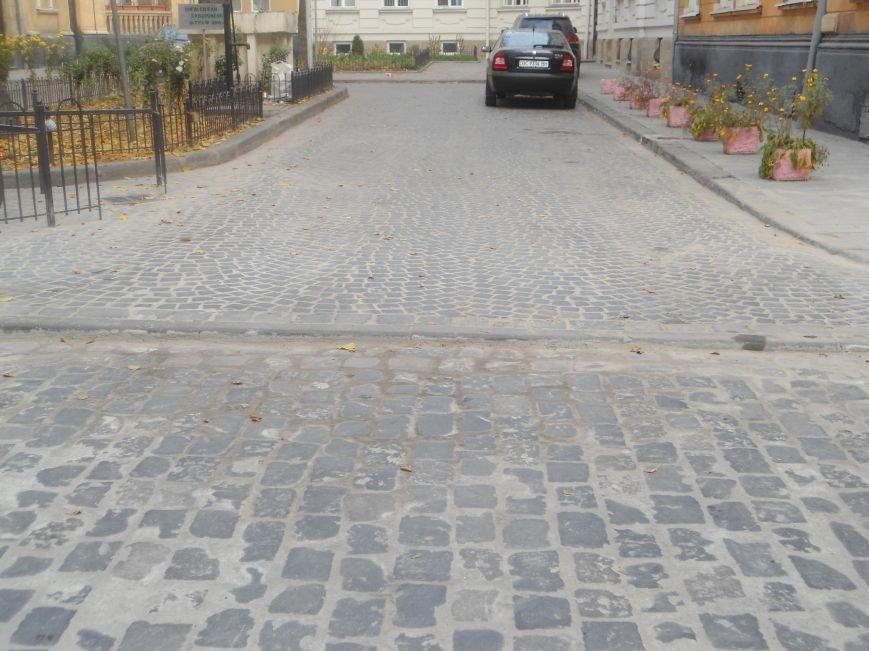Як відремонтували вулицю Богомольця за 723 тисячі гривень? (ФОТО) (фото) - фото 1
