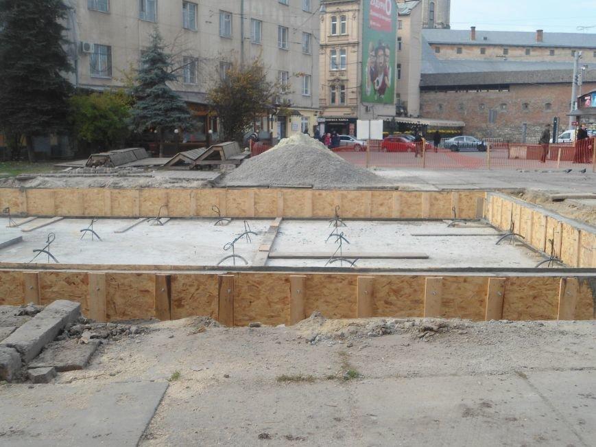 Фонтан на площі Митній: як триває будівництво надсучасного фонтану (ФОТО) (фото) - фото 2