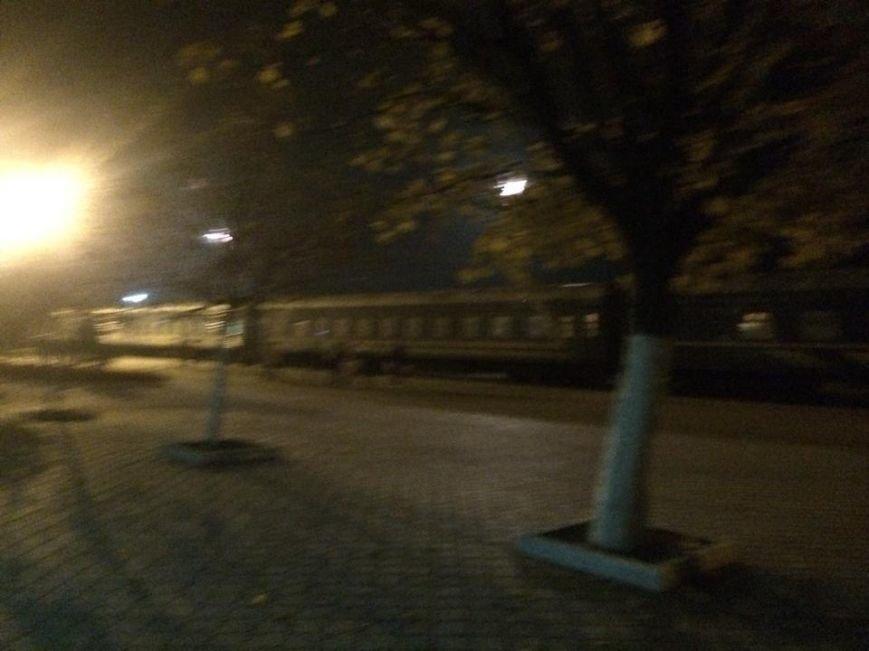 Доступ к поездам на мариупольском вокзале ограничили забором(Фотофакт), фото-2