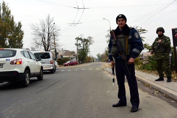 ГАИ в Славянске пока не утратила свои полномочия в связи с Законом Украины «О Национальной полиции» (фото) - фото 1