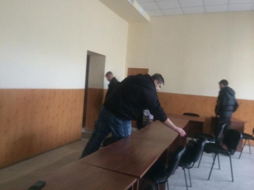 В Мариуполе сегодня члены избиркомма встречали комиссию из ЦИК (ФОТО, Дополнено), фото-2